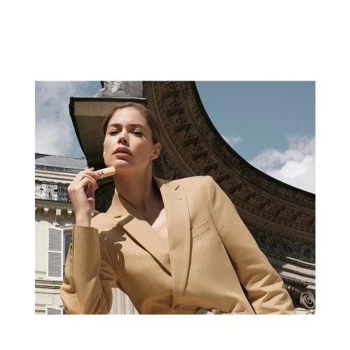 L'Oréal Paris Color Riche Free The Nudes Ruj - No Cage